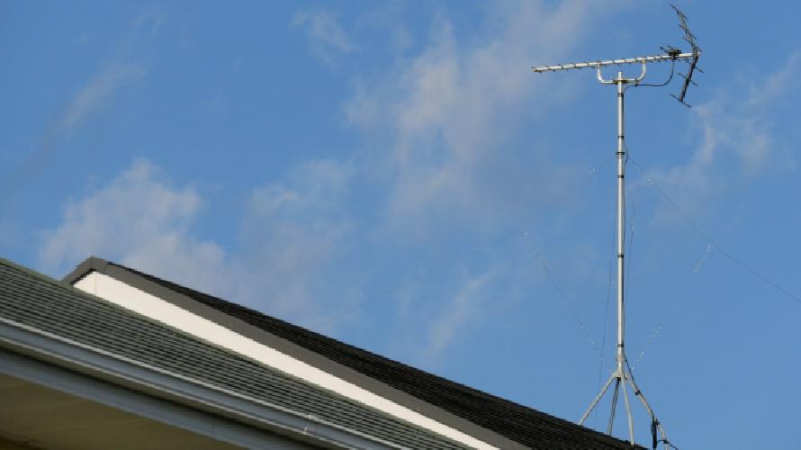 屋根にアンテナがある時の塗装方法