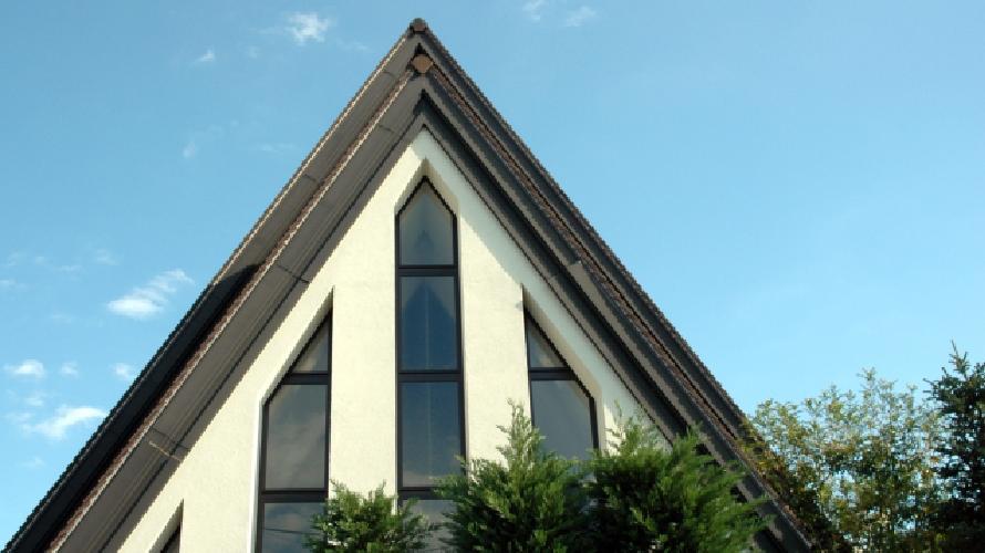 急勾配(6寸以上)屋根の塗装価格が高くなる理由
