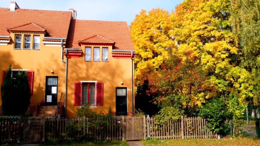 【施工例アリ】外壁塗装に2019年の流行色オレンジを使う際の注意点