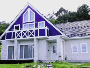 色の組み合わせ(ツートーン)でおしゃれに魅せた外壁塗装【青色×白色】