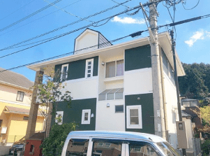 ツートーン外壁塗装【緑色×白色】