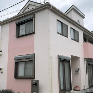 ピンク系の外壁塗装の施工例4