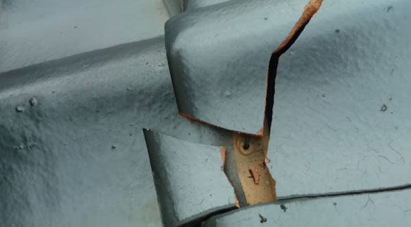 屋根塗装は火災保険が使える可能性が高い